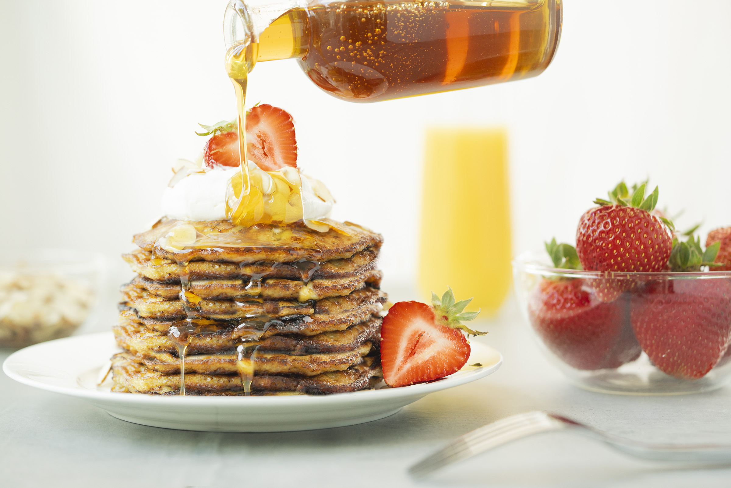 Sweet & Moist Low-Carb Banana Pancakes